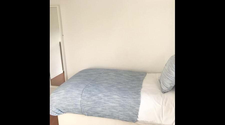 Twin bedroom (downstairs)