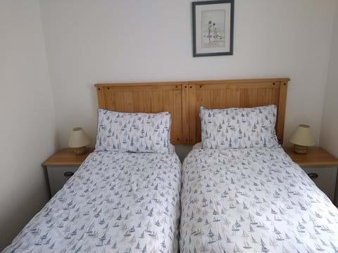Bedroom 2 set up with 2 x 2