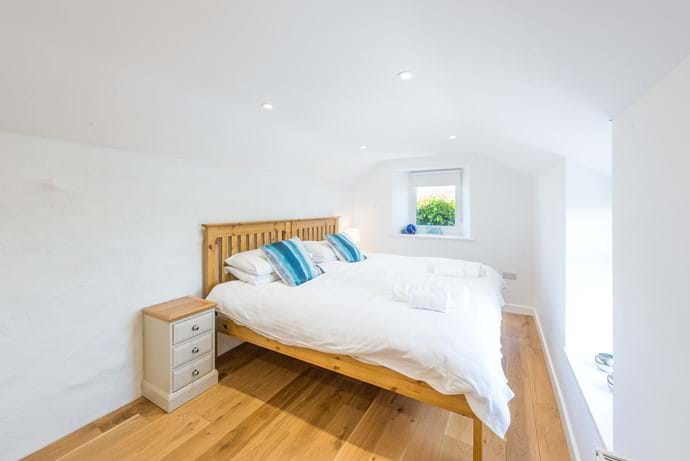 Bedroom over kitchen, Twin or Superking