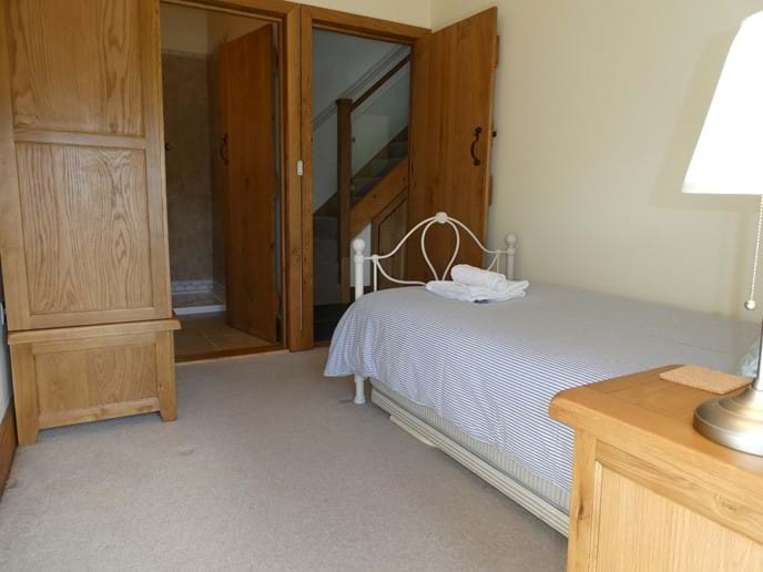 Single room access to en-suite luxury shower