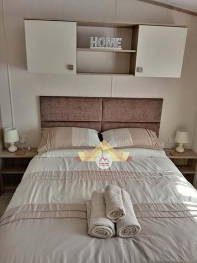 Master Bedroom with En-Suite Toilet & Wash Basin