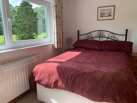 Comfortable beds and crisp bed linen