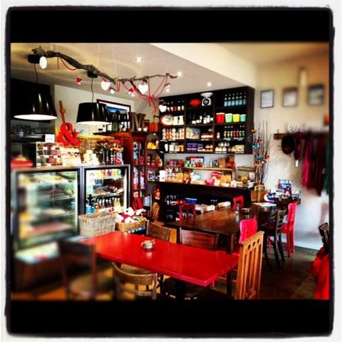 The place to head for breakfast, brunch, lunch or a coffee. It is a cute little café and local produce store that serves up homestyle gourmet food including homemade pies and more.