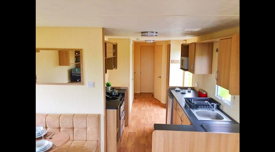 Kitchen/entrance