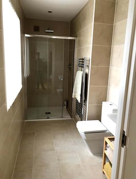 Downstairs ensuite bathroom