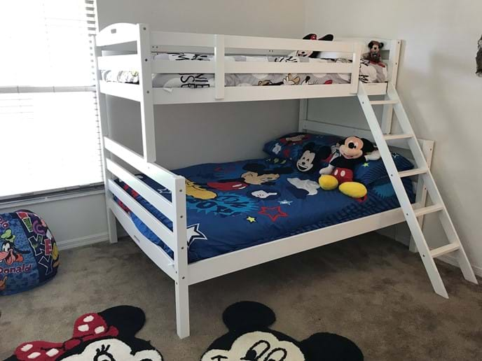 Fun For the Little Ones - Disney Themed Room with Double & Single Bunk Bed