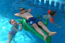 Great pool for children of all ages heated throughout the year + paddle pool