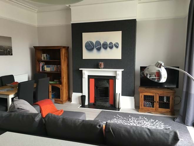 Home from Home Portsmouth - Stylish lounge