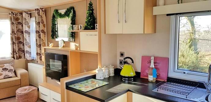 White Rose Caravan York | kitchen
