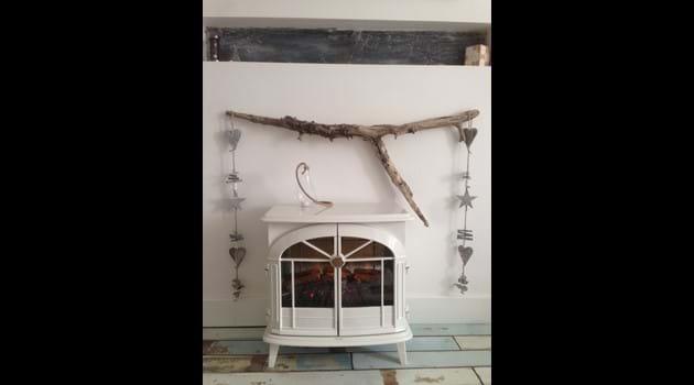 Electric log burner style fire