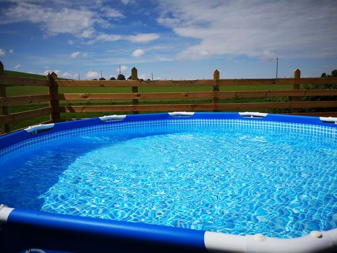 Walnut House - Solar Heated Splash Pool