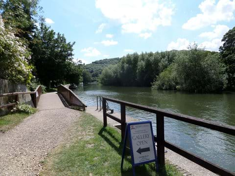 The Thames Towpath from Goring and Streatley bridge