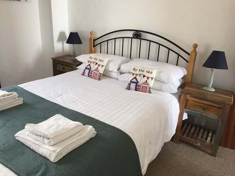 Bedroom (7 - Rockpool)