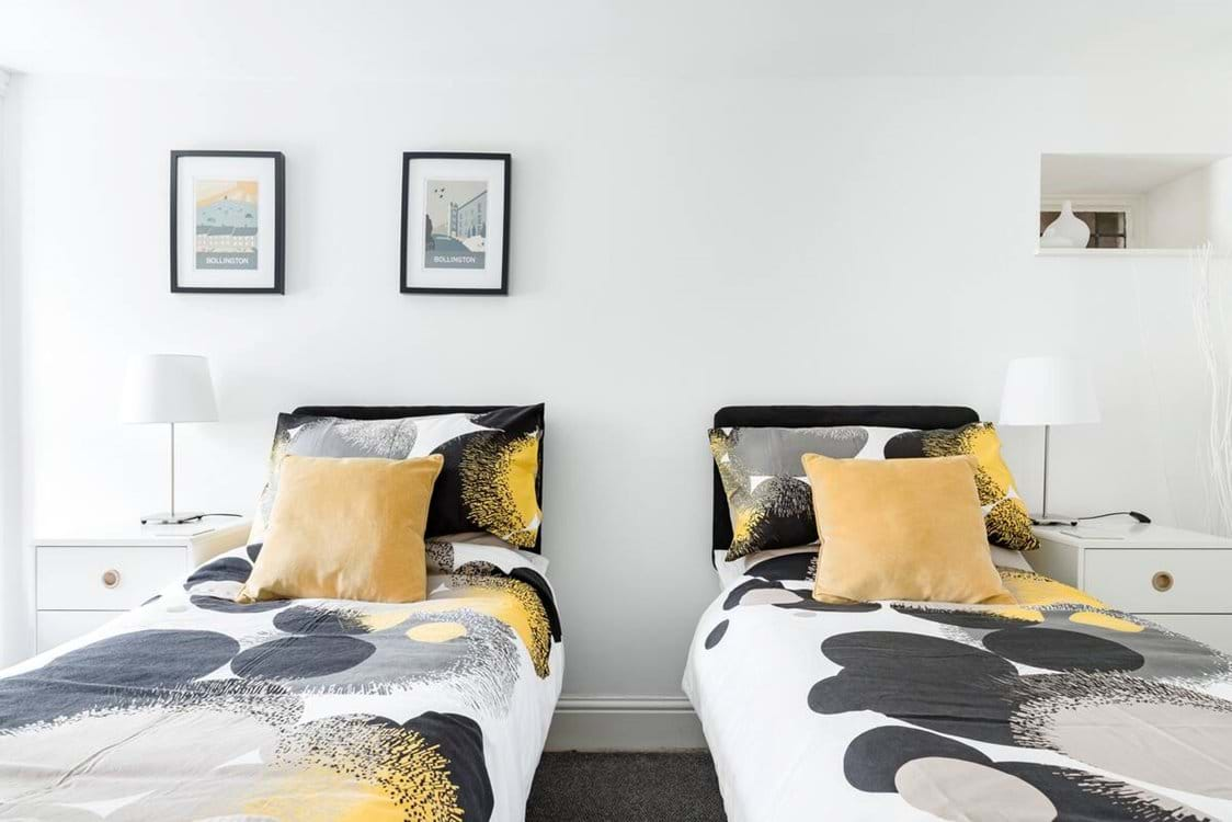 Rear Bedroom as a twin