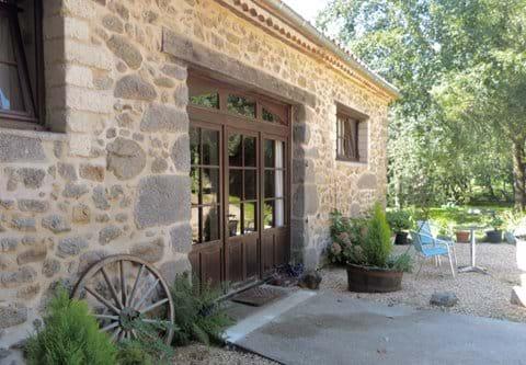 Gites Dordogne Holiday Cottage 4 People Family Dog Friendly