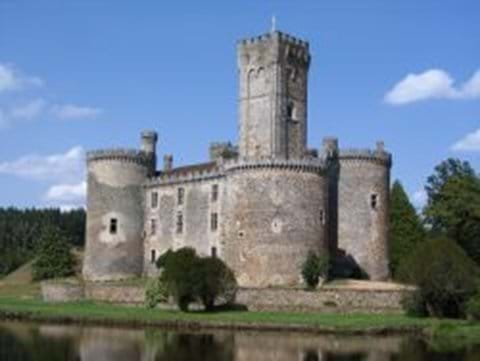 The castle at Montbrun - links to Richard the Lionheart