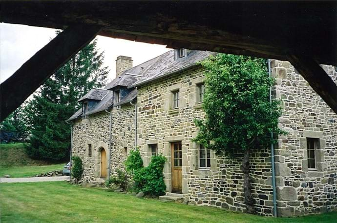 The Farmhouse from the central grass courtyard