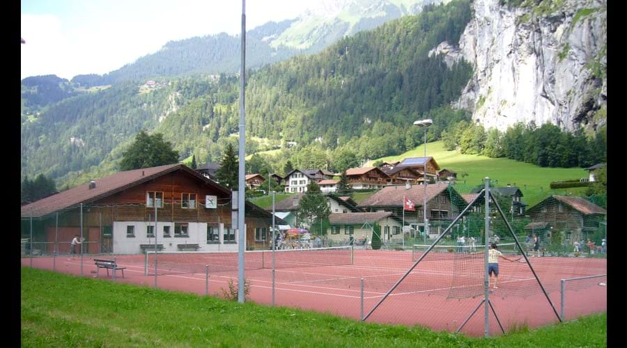 Tennis courts and mini golf at 300m