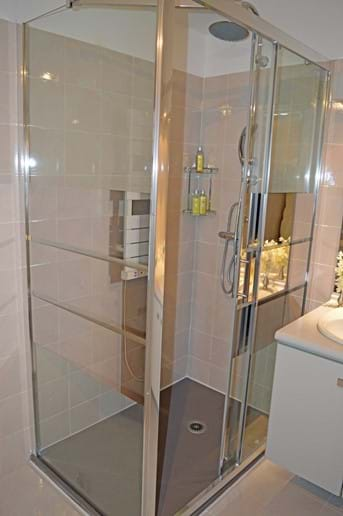 February 2020 - Luxurious new Shower unit installed in Master Bedroom en suite Bathroom at Pool Level (Pool Apartment)