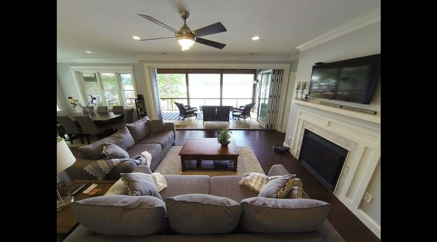 Open plan living room, kitchen and dining room