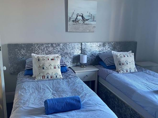 Home from Home Portsmouth - Twin or Superking bedroom - Sleeps 4