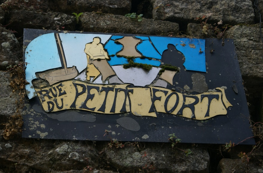 Roadsign in Dinan, Brittany