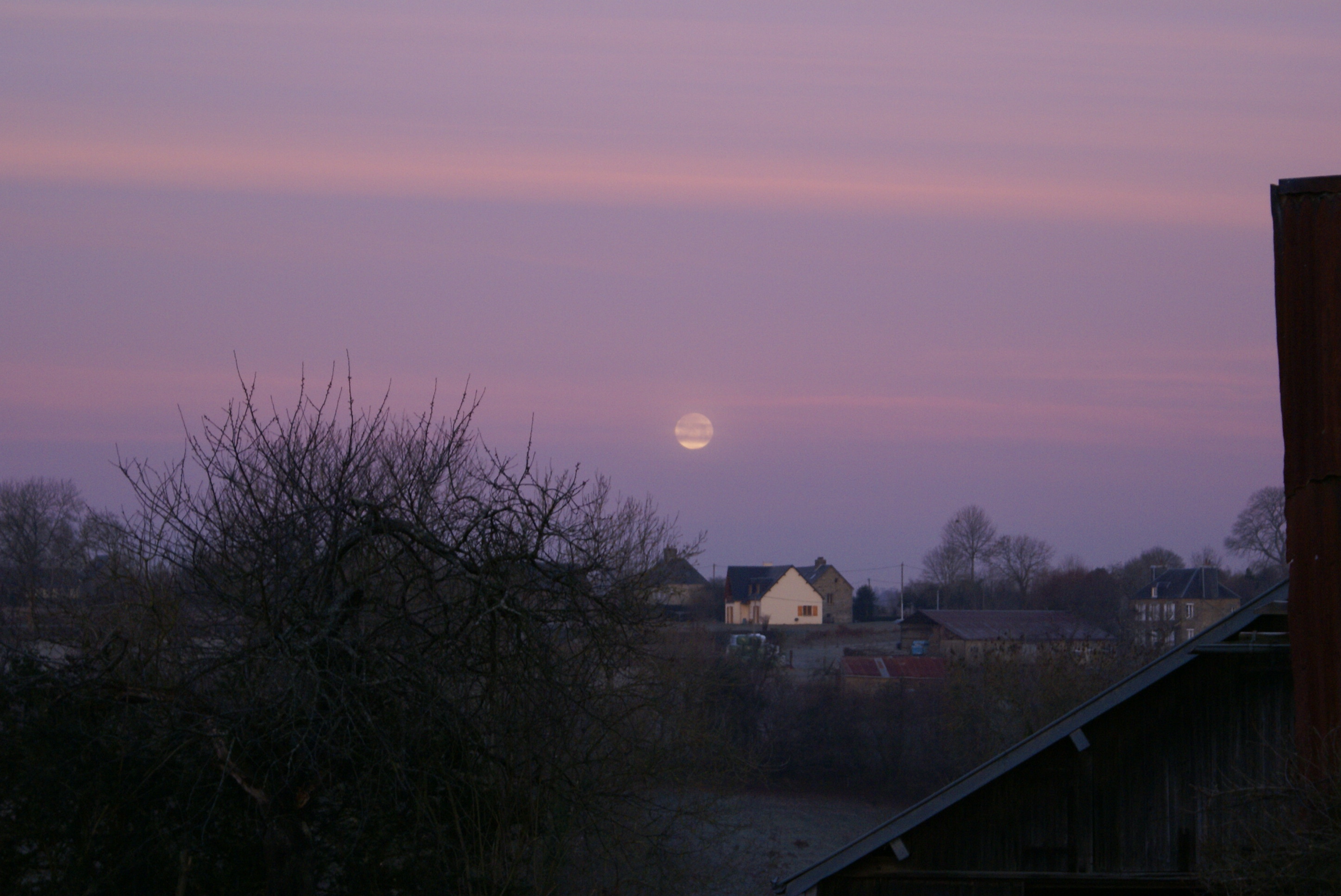Morning moon over Eco-Gites of Lenault