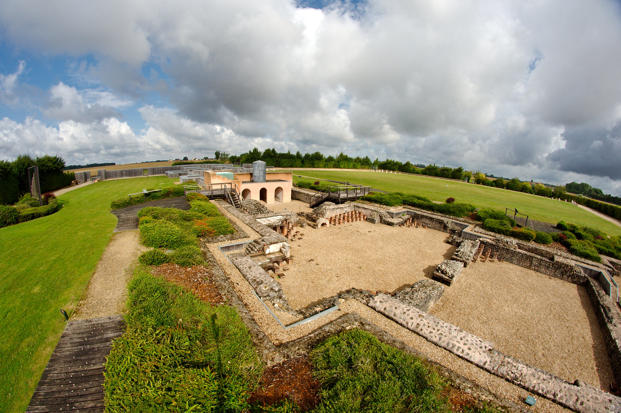 Vestiges des thermes de Gisacum, ancienne cité gallo-romaine, au Vieil-Évreux