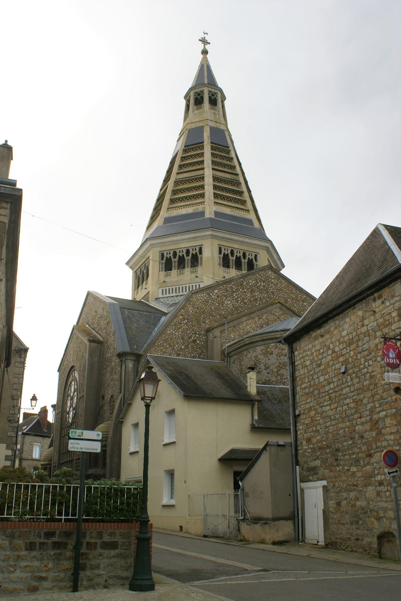 Eglise de Saint Junien, Domfront, Normandie