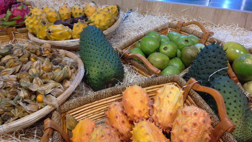 Zero-waste exotic fruit, Grand Frais, Normandy
