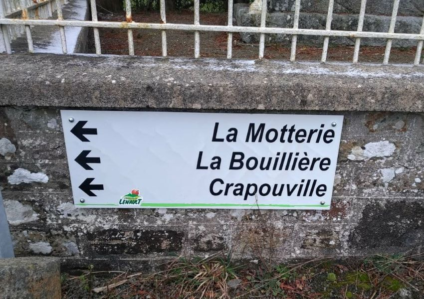 Place names near to Lénault, Normandy, France