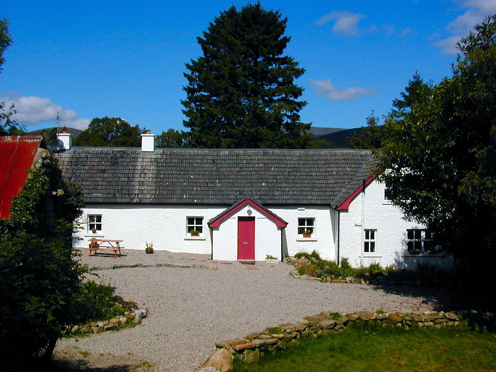 Wicklow Cottage Image