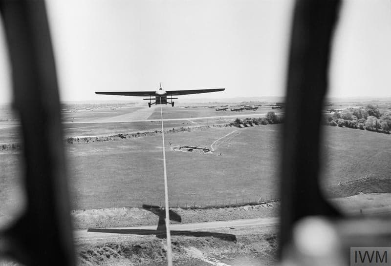 Horsa glider in the air